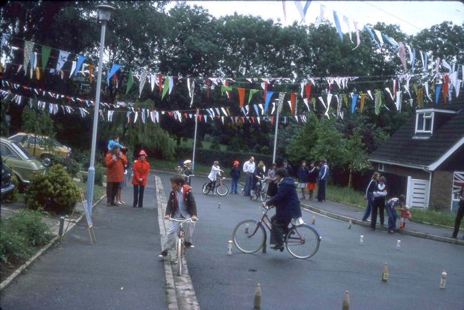 A Silver Jubilee street party in 1977 - complete with slalom!